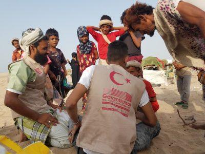 Erzak Dağıtımı için Dünya İnsani Yardım Vakfı Yemen de