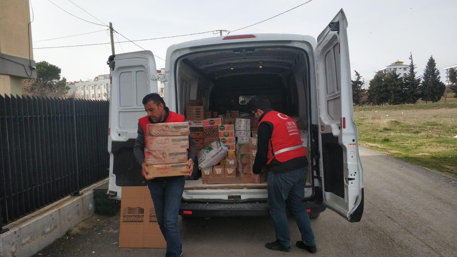 Silivri Kız Anadolu İmam Hatip Lisesi Pansiyonu ve Erkek Yurduna Gıda Yardımı
